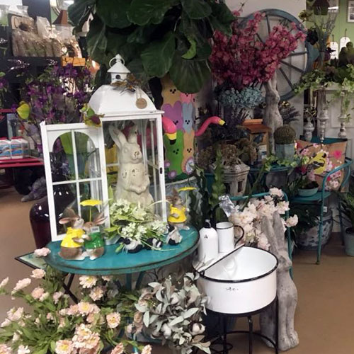 home garden decor flowers, rabbits, bistro tables and chairs