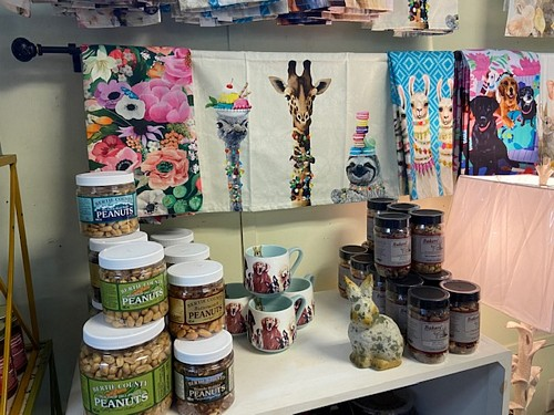 Tea towels from @greenboxartculture, gourmet peanuts & food items make great gifts